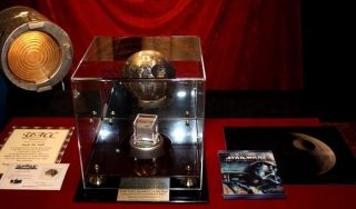 George Lucas STAR WARS Prop DEATH STAR COA London Prop Store DVD Case