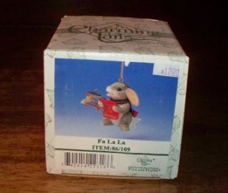 Charming Tails Fa La La 86/109 Bunny Singing Christmas Ornament W/Box