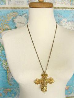 Crown Trifari Gold Tone Metal Cross Crucifix Pendant Runway Necklace