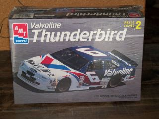 AMT Ertl 1 25 Model Kit Valvoline Thunderbird 6