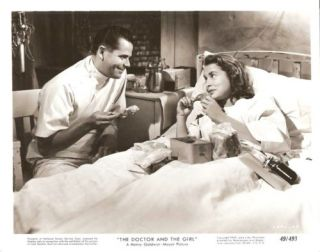 Gloria DeHaven Glenn Ford The Doctor and The Girl