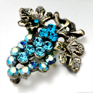 Pugster Blue Crystal Grapes Fruit Brooch Pin A69