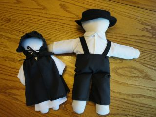 1988 Hendrickson Hand Made Amish Doll Boy AND Girl w Hats AND Clothing