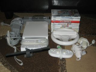 Nintendo Wii White Console w Games and Accessories