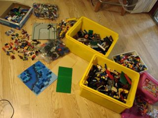 Huge Lego Lot 30 pounds minifigures Castle base Deep sea squid Girls