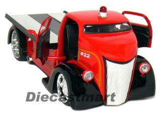 Jada Heat 1 24 1947 Ford COE County Fire Truck Red
