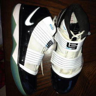 Mens Nike Zoom Soldier III Lebron James Black White 354815 013