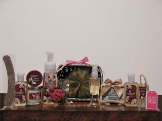 New Bath Body Works Japanese Cherry Blossom Gift Basket Set