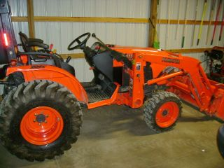 Kubota B3030 4x4 Tractor with Loader