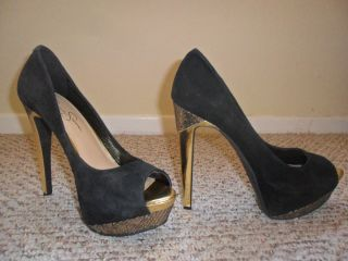 New Authentic Jessica Simpson Suede Black and Gold Heels Size 7 5