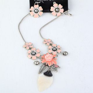 Fashion Jewelry Set Fancy Women 1Sets Flower Shell Necklaces Earrings