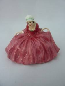 Royal Doulton Polly Peachum M21 Figurine Figure Excellent