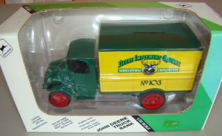 John Deere Truck Bank 1926 Replica Mack Bulldog Delivery Van Ertl 1 38 scale