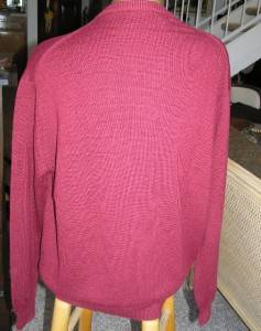 GORGEOUS JOHN SCOTT SCOTLAND RED CARDIGAN SWEATER WITH GOLD BUTTONS SCOTLAND L