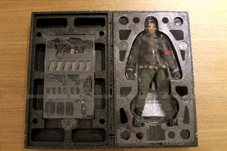 Hot Toys Terminator Salvation John Connor 1 6 Action Figure Sideshow MMS95 NEW