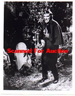 3J 88 Jonathan Frid Dark Shadows Photo