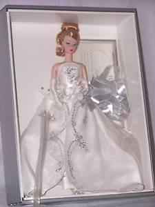 Barbie Silkstone Fashion Model Collection Joyeux w COA 2003