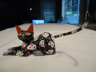WOOD CAT CARVING SIGNED by JOSE OLIVERA PEREZ ALEBRIJE from TILCAJETE