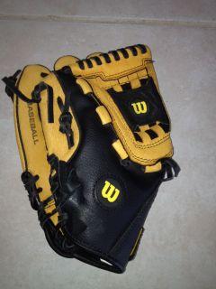 New Wilson 11 Baseball Glove AO352 Left Handed Thrower