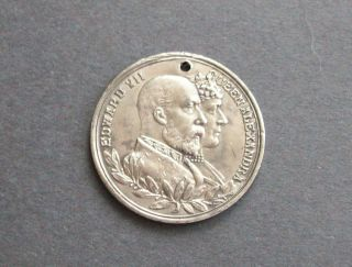 Coronation Medal Coin 1902 King Edward Vll Queen Alexandra UK