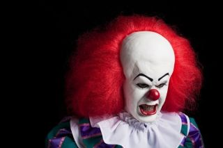 STEPHEN KING IT PENNYWISE CLOWN PUPPET DOLL TIM CURRY ROCKY HORROR