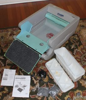 LM680 automatic electric self cleaning kitty cat litter box w extras
