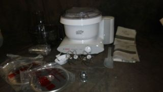 MUM6N10UC Universal Plus Kitchen Machine Mixer w Processor Bowl