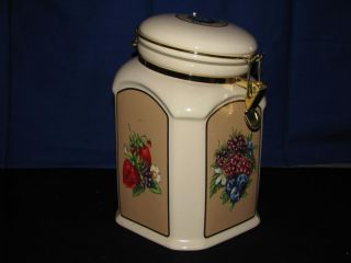 Knotts Berry Farm Ceramic Cookie Jar w Brass Clamp Closure on Lid
