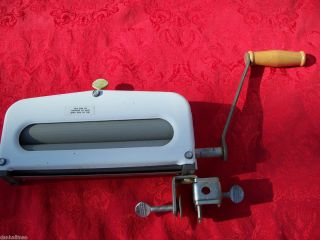 Old Handy Hot Hand Crank Clothes Wringer Ringer Washer Laundry Dryer