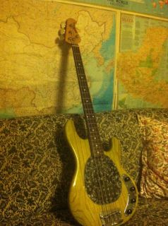 Ernie Ball MusicMan Stingray 4 String Les Claypool Signature