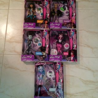 Monster High Ghouls Rule Frankie Clawdeen Cleo Draculaura Abbey