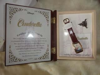 Disney Princess Limited Edition Watches Cinderella with A Pin