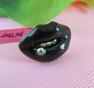 Betsey Johnson Personality Black Lips Ring R112
