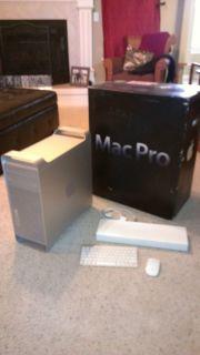 Apple Mac Pro Desktop 8 Core 2 8 Ghz Intel Xeon 6gb ram Intel SSD 3 HD