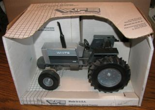 White Farm Equipment Tractor 1 16 Scale Models 115 0400 Ertl WF Die