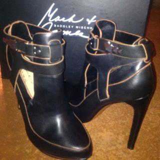 Mark James By Badgley Mischka Dannie Womens Size 8 Black Fashion Ankle