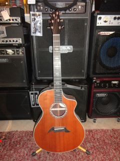 Breedlove Master Class Focus SE Redwood Acoustic Guitar