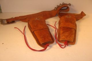 VINTAGE HUBLEY MATT DILLON GUNSMOKE LEATHER DOUBLE HOLSTER W 2 BULLETS