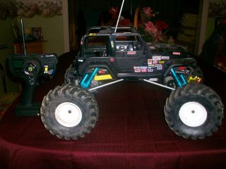 Custom Built RC Rock Crawler 1 8th Scale w Lots Extras Nice