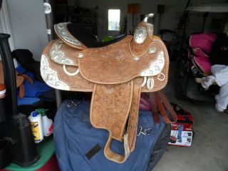 16 in Tex Tan Distinction Good Shape Ostrich Seat