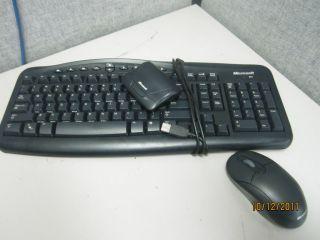 Microsoft Wireless USB Keyboard 700 V2 0 w Mouse Receiver