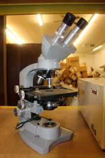 American Optical Spencer AO 477676 Microscope