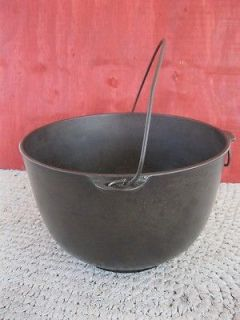 Antique Primitive #4 WAGNER Cast Iron Kettle Pot, Bail Handle, Tipping