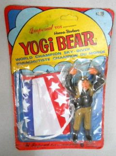 Vintage ERROR PACKAGING of Hanna Barbera Yogi Bear Sky Diver, 1977