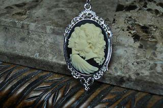 Mother Daughter Cameo Necklace Vintage Look Elegant Filigree Frame