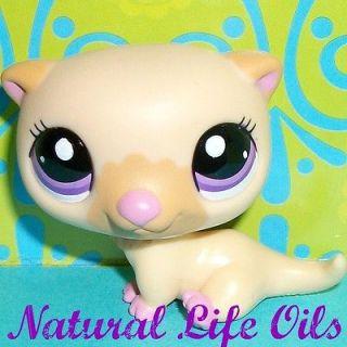 Littlest Pet Shop~#2230 BLONDE BABY SEA OTTER Purple Eyes~G188 Rare