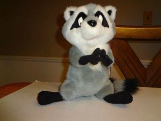 Disney MEEKO Raccoon Giggles Laughs 1995 Pocahontas Plush Stuffed Toy