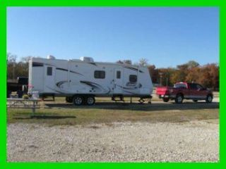 2013 Coleman® CTS 262 BH 31ft Travel Trailer Slide Out