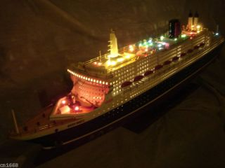 Queen mary II wooden model ship w/ flashing light 40