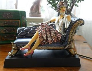 ART DECO LADY ON A CHAISE LONGUE COUCH SETTEE TIFFANY AMBER LILLY LAMP